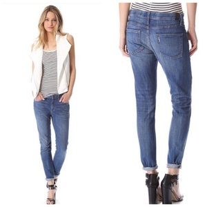 VINCE 28 X 29 Relaxed Skinny Distressed Jeans